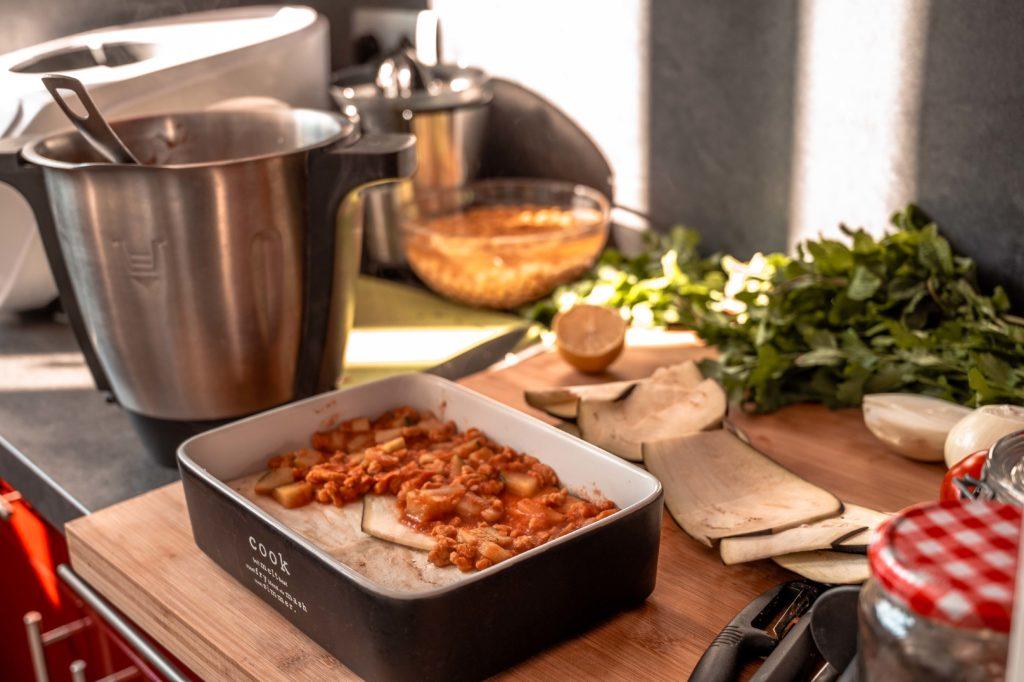 Lasagnes d'aubergines en préparation